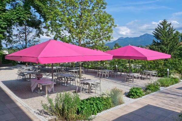 proteger-table-jardin-reunion-parasol