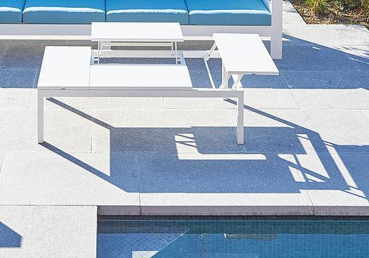avantages-et-inconvenients-du-mobilier-exterieur-design-table