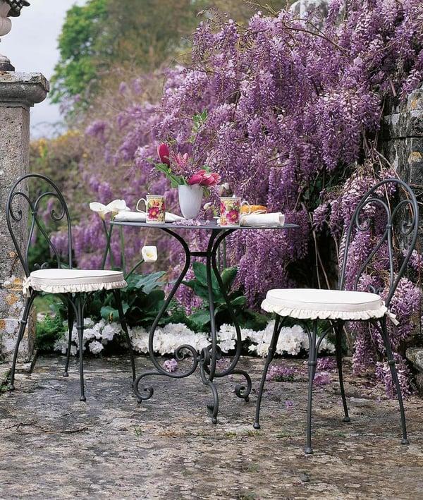 mobilier de jardin table exterieure usage