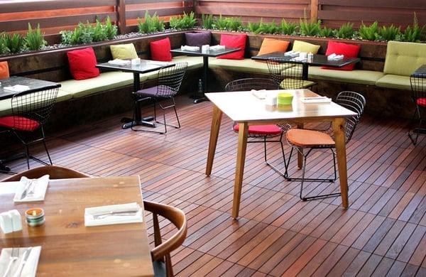 agrandir-terrasse-commerce-differents-espaces