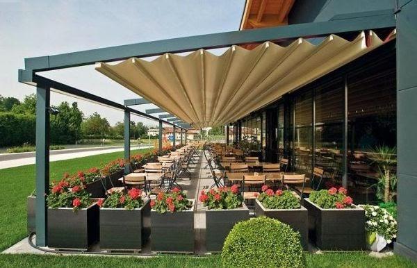 amenager-exterieur-restaurant-pergola