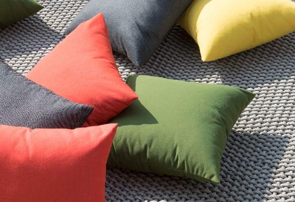 mobilier de jardin resistant pluies coussin tissu