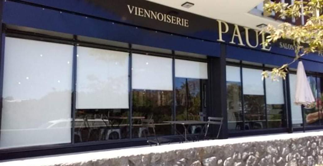Realisation store interieur enrouleur boulangerie Paul saint-pierre